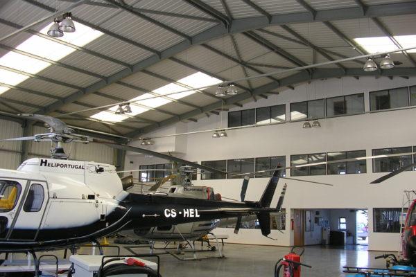 Hangar Heliportugal. Aerodromo de Tires